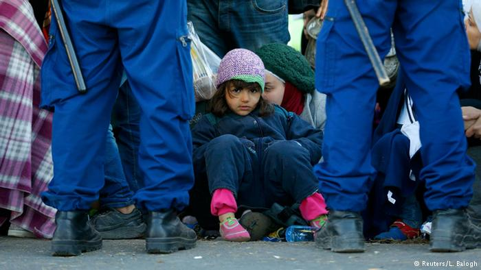 Refugee crisis elicits mixed responses across Europe