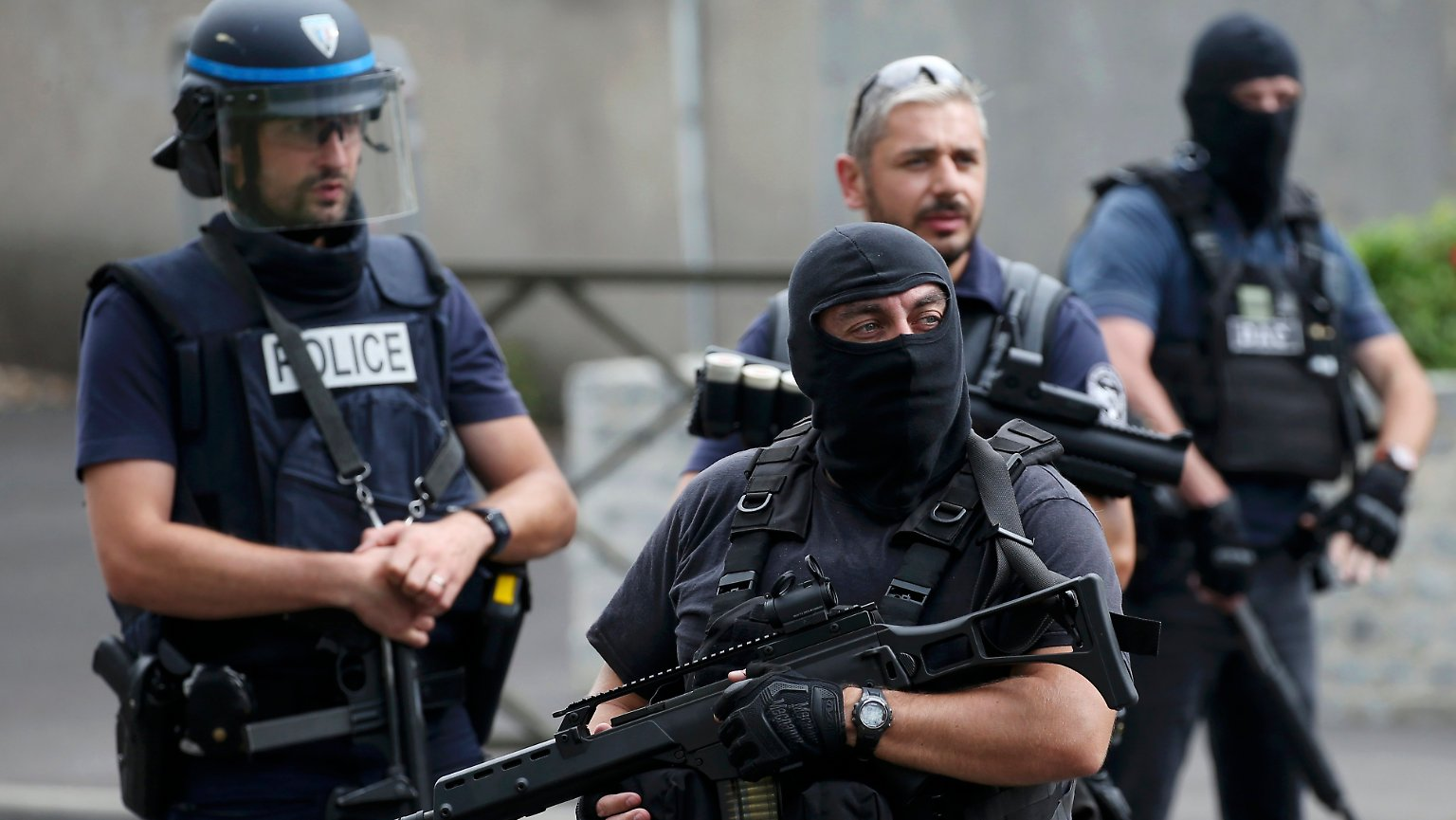 Charlie Hebdo.. suspect wanted to setoffices on fire