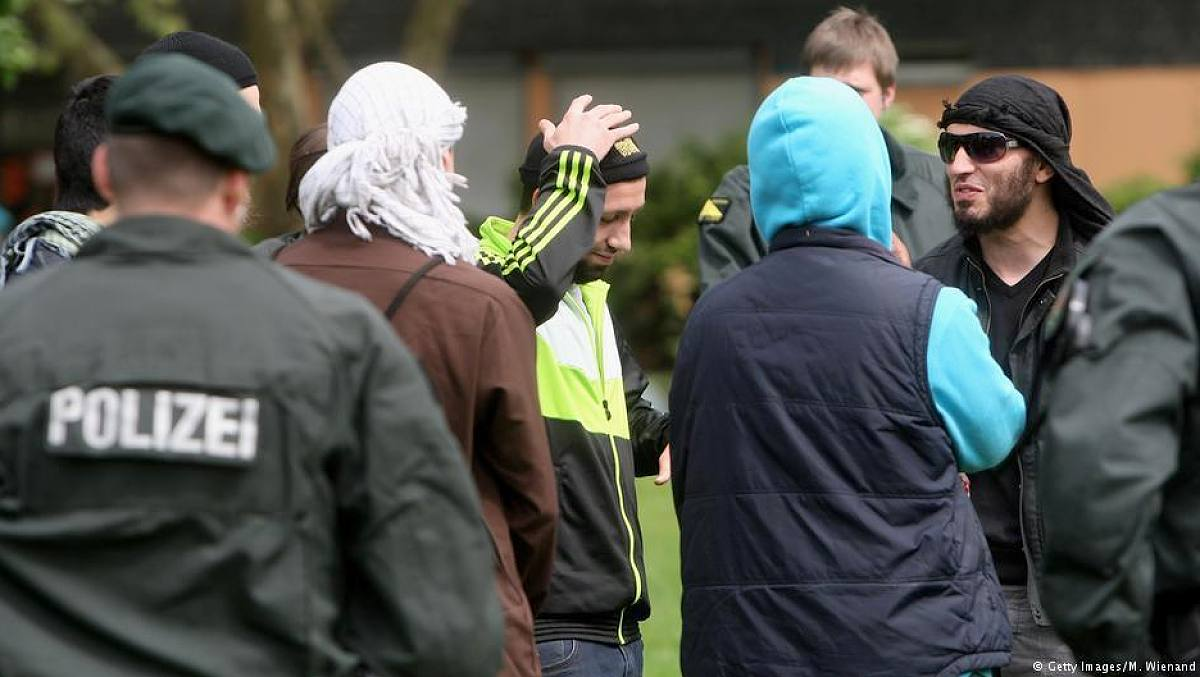 "More than 120 Islamists in Germany pose a ""high risk"
