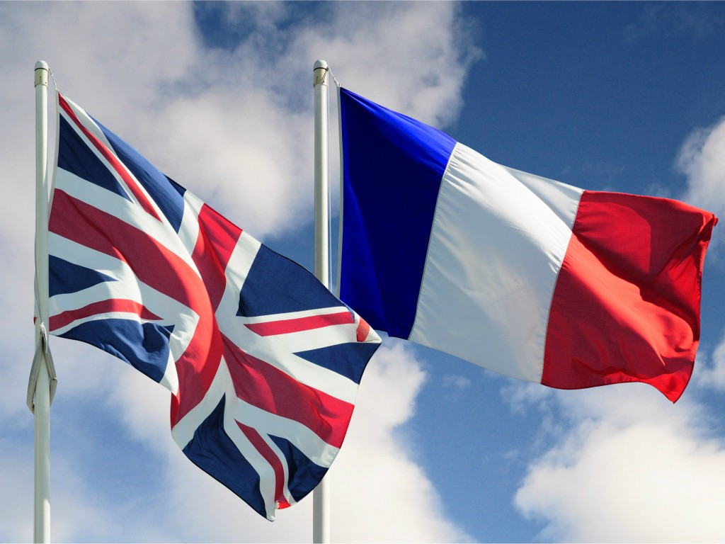 Britain and France sign new security deal to protect against Channel terror threat